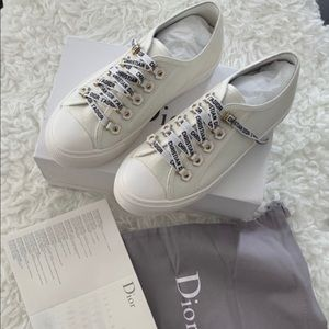 Shoes - White sneakers